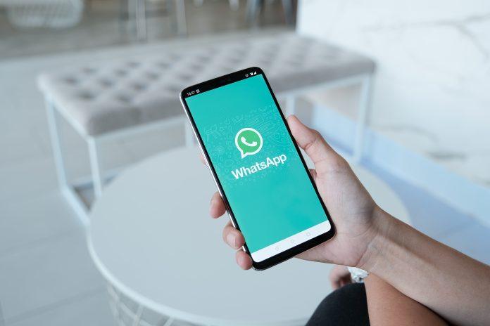 WhatsApp, privacy: una notifica per le nuove condizioni d'uso